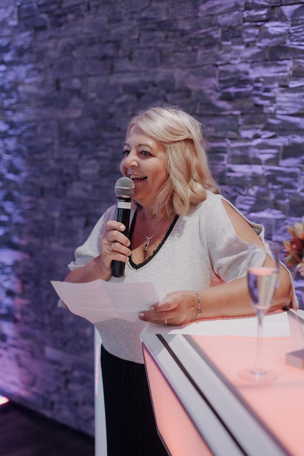hochzeit-janina-und-christian_website_jasminjohanna_72dpi_80pz_1600-Janina&Christian–Feier–Auswahl–sRGB–200ppi–90pz-27